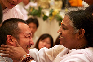 amritayoga.com_Yoga Talks_Amma's Compassion Awakened the Innate Self-Confidence
